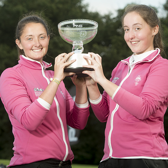 2015 PING winners Shannon O'Dwyer and Briony Bayles