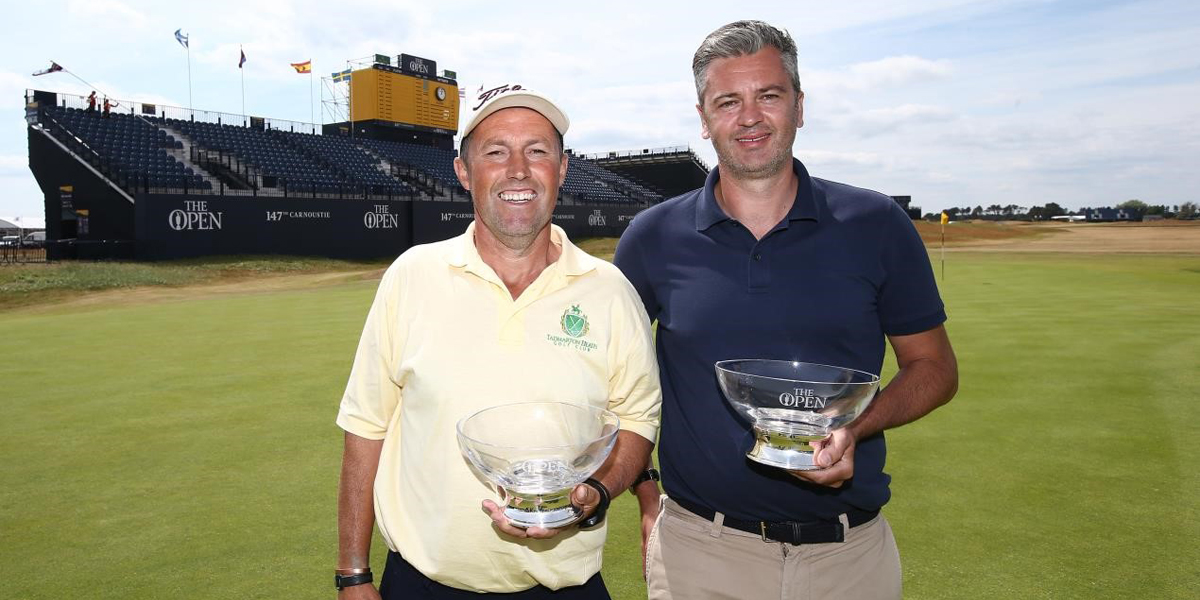 2018 winners inf ront of the grandstand at Carnoustie