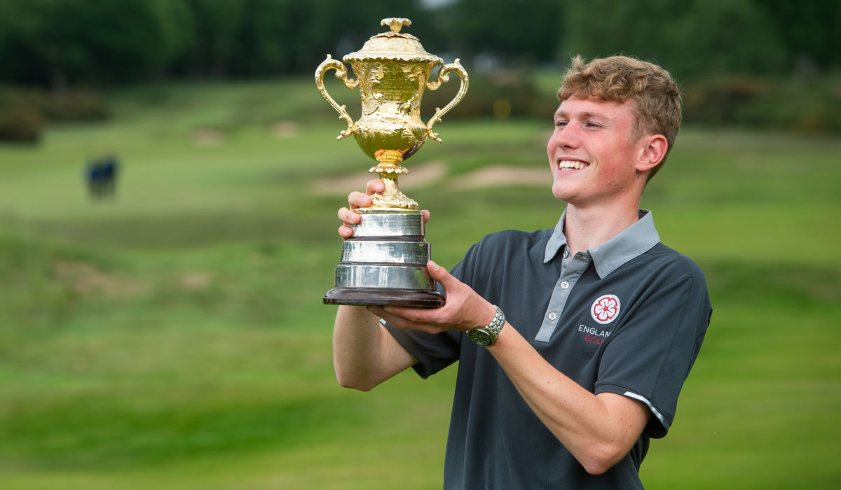 Schmidt, 16, becomes youngest-ever Brabazon winner