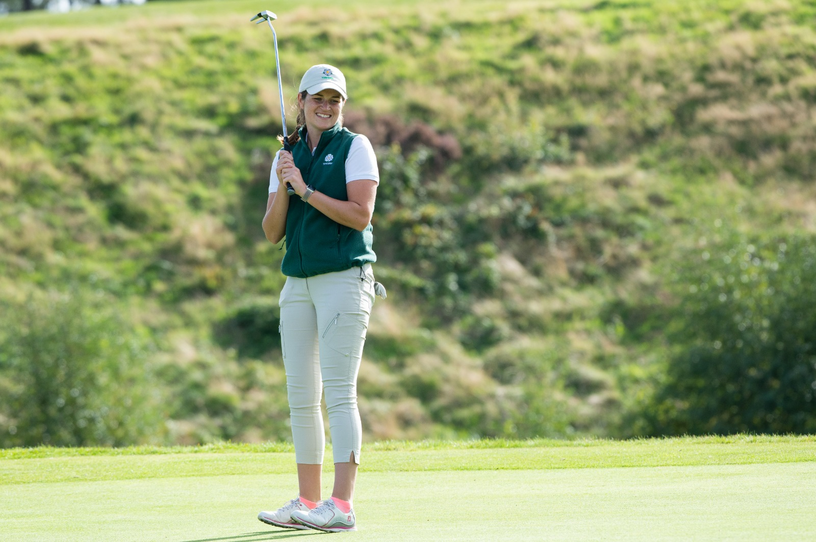 Melissa Wood agonises after a missed putt