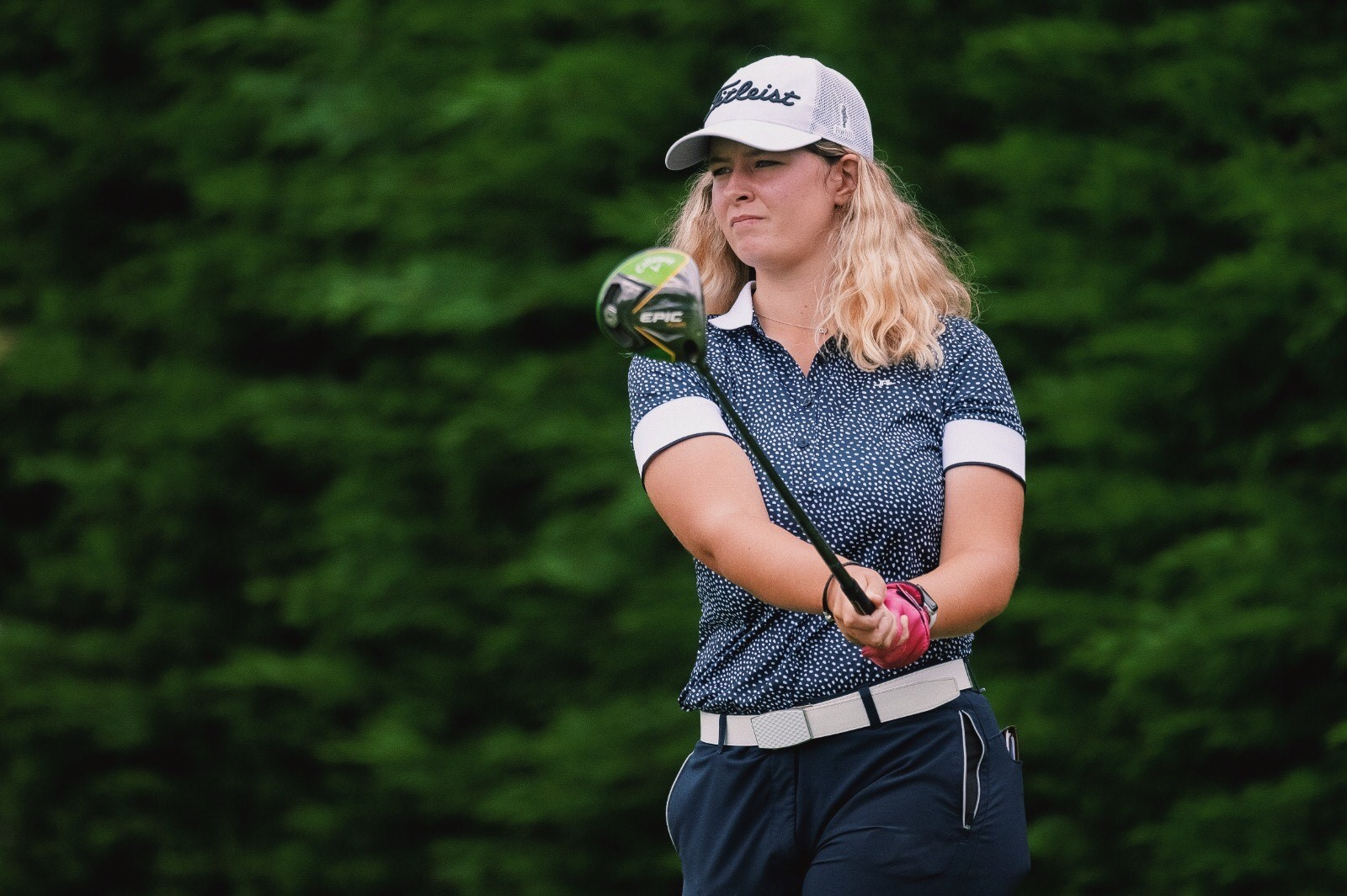 English Girls' Amateur Stroke Play: Rowlands stands strong on a windy Wednesday at Sandy Lodge